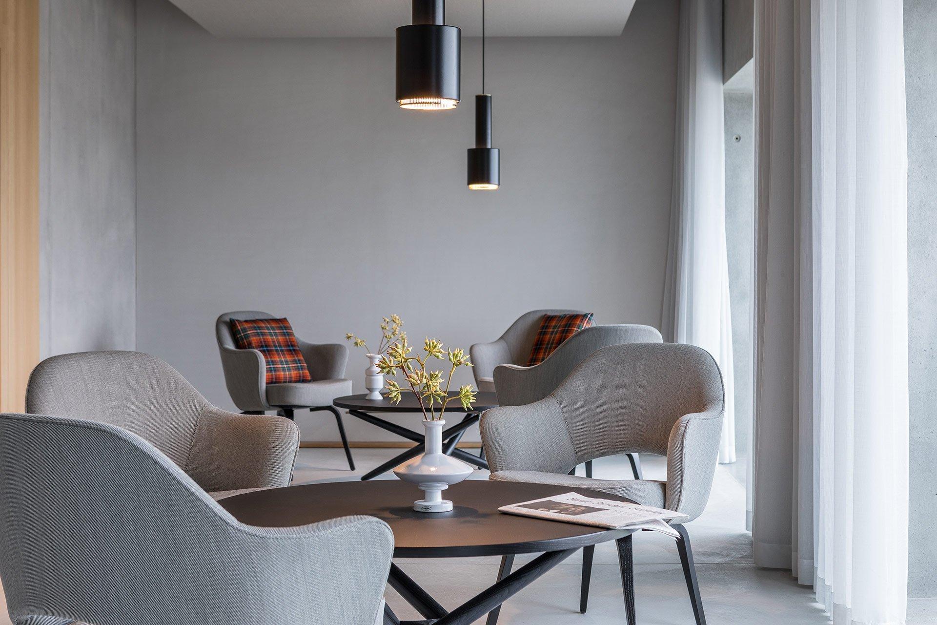 the placid new business hotel in zurich altstetten livingroom 5